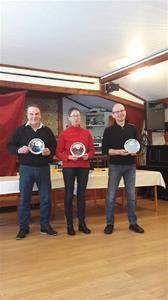 Avtackande av styrelsemedlemmar, Fr vä. Bernt Olsson, Berit Bodin, Dan-Erik Persson