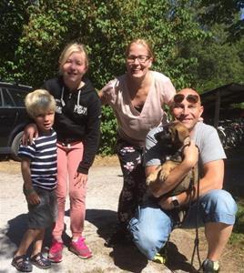 Rindrosens Acira 8 veckor med sin nya flock Pernilla & Thomas Tunekvist