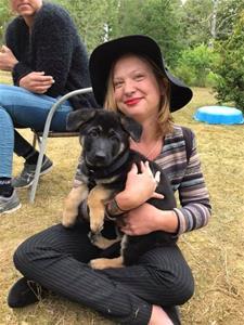 Rindrosens Abella 8 veckor med sin nya matte Hanna Öfors