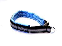 Nomehalsband med satinfoder och reflex, ljusblå